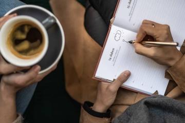 Vraťte se k psaní rukou, je to relaxace, terapie i výlet z komfortní zóny